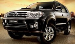 Xe phục vụ ngoại giao Toyota Fortuner